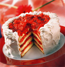 Cranberry Layer Cake Chantilly